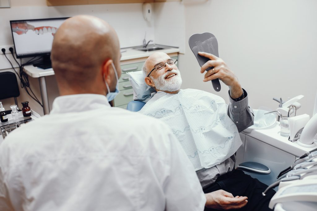 how to choose the right implant dentist in leederville